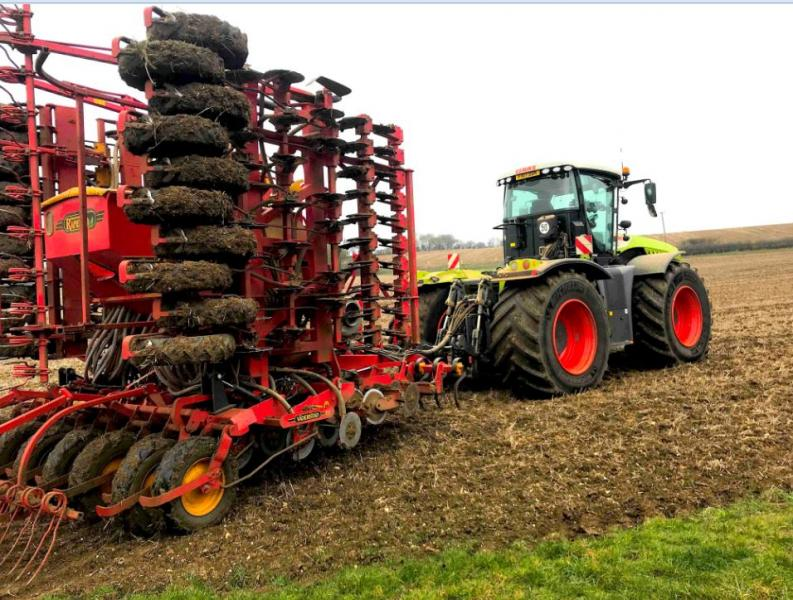 TYRES REPLACE TRACKS FOR HINCKFORD FARMING